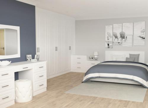 Harrison & Fletcher - Vinyl Bedroom 1